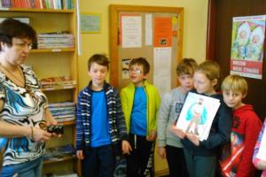 Třeťáci navštívili knihovnu v Malých Svatoňovicích